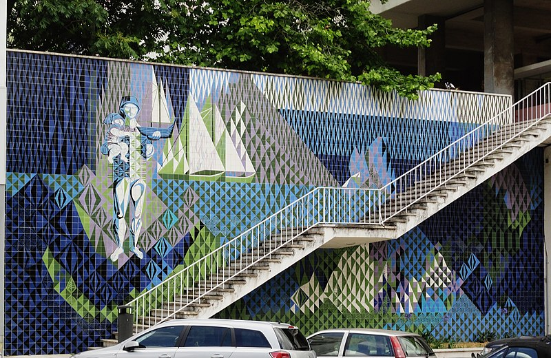 File:Keil, Maria, O mar, 1958-59, painel de azulejos, Av Infante Santo, Lisboa,.jpg
