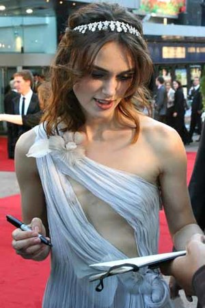 Keira Knightley - Knightley at the premiere of Atonement in 2007