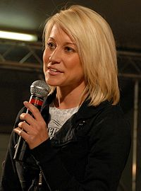 Kellie Pickler 2008-12-17 cropped.jpg