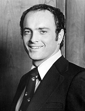 Kevin Dobson - Dobson in Kojak (1975)