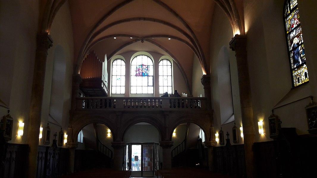Bléck op den Duxall an der Kierch vu Mäerzeg