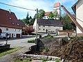 Kirche, Brunnen und Misthaufen in Gößlingen - panoramio.jpg