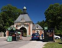 Knuthenborg Safaripark entrance.jpg