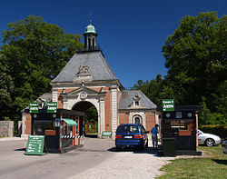 Knuthenborg Safaripark entrance.jpg
