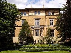 Kreuztal - Gelbe Villa in Dreslers Park