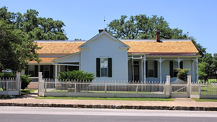 Johnson's boyhood home in Johnson City, Texas LBJ Boyhood Home Johnson City Texas 2016.jpg