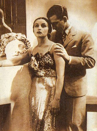Tita Merello - Tita Merello and Francisco Petrone in La fuga (1937).