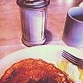 La journée commence bien. -pancakes -oeufs -bacon -Jusdechaussette (8121391028).jpg