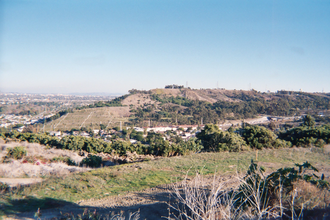 Kenneth Hahn State Recreation Area - View east of the Kenneth Hahn State Recreation Area Park and the Baldwin Hills, from the Baldwin Hills Scenic Overlook Park