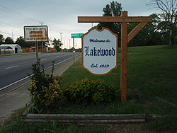 Sign indicating entrance to Lakewood