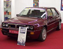 https://upload.wikimedia.org/wikipedia/commons/thumb/1/14/Lancia_Delta_Evo_vl_EMS.jpg/220px-Lancia_Delta_Evo_vl_EMS.jpg