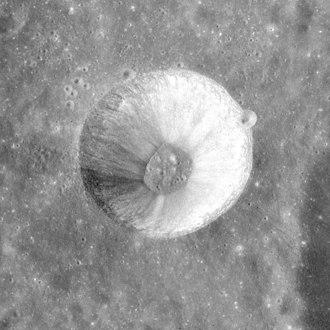 Langrenus (crater) - Image: Langrenus M crater AS15 M 2388