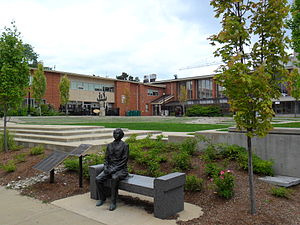 Wilfrid Laurier University - Laurier Central Garden with Sir Wilfrid Laurier statue