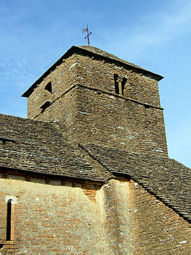Le clocher de l'église de Burgy.jpg
