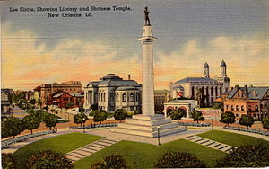 Lee Circle - Postcard view of Lee Circle in the early 20th century