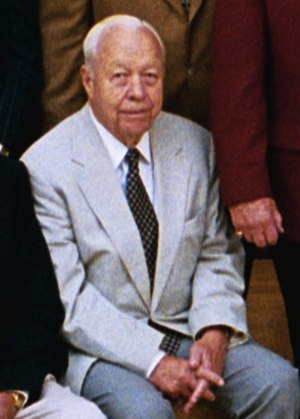 Lee MacPhail - MacPhail at the White House for a Baseball Hall of Fame luncheon in 2004