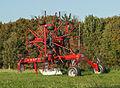 Lely 915 CD Vario Hibiscus hay rake 2014-09-19.jpg