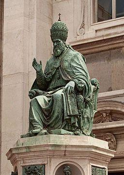Loreto statua di Sisto V