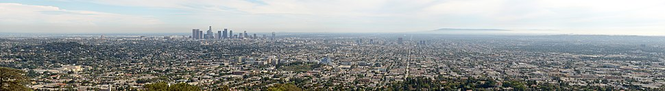 Panorama of Los Angeles as viewed from Griffith Observatory. Left to right: Los Feliz, Downtown and Hollywood