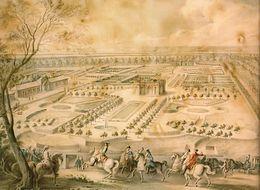 Gouache jaunie représentant le roi en premier plan regardant les jardins avec le pavillon au centre.