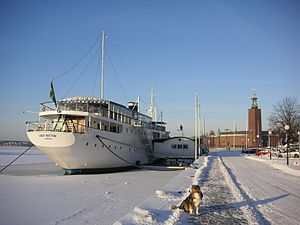 Lady Hutton - The hotel in winter as located near visible Stockholm City Hall.