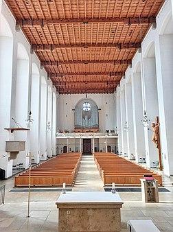 München, Königin des Friedens (Blick zur Zeilhuber-Orgel) (8).jpg