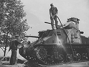 M2 Medium Tank - An M3 Medium Tank, the successor to the M2.