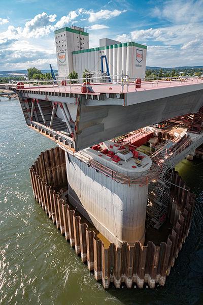 File:MK37809 Neubau Schiersteiner Brücke.jpg