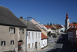 Main road in Husinec in 2011 (1).JPG