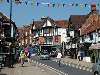 Lyndhurst, Hampshire - Image: Main street, Lyndhurst geograph.org.uk 1393977