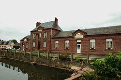 Mairie-école, Fresnoy-Folny (Seine-Maritime) France.jpg