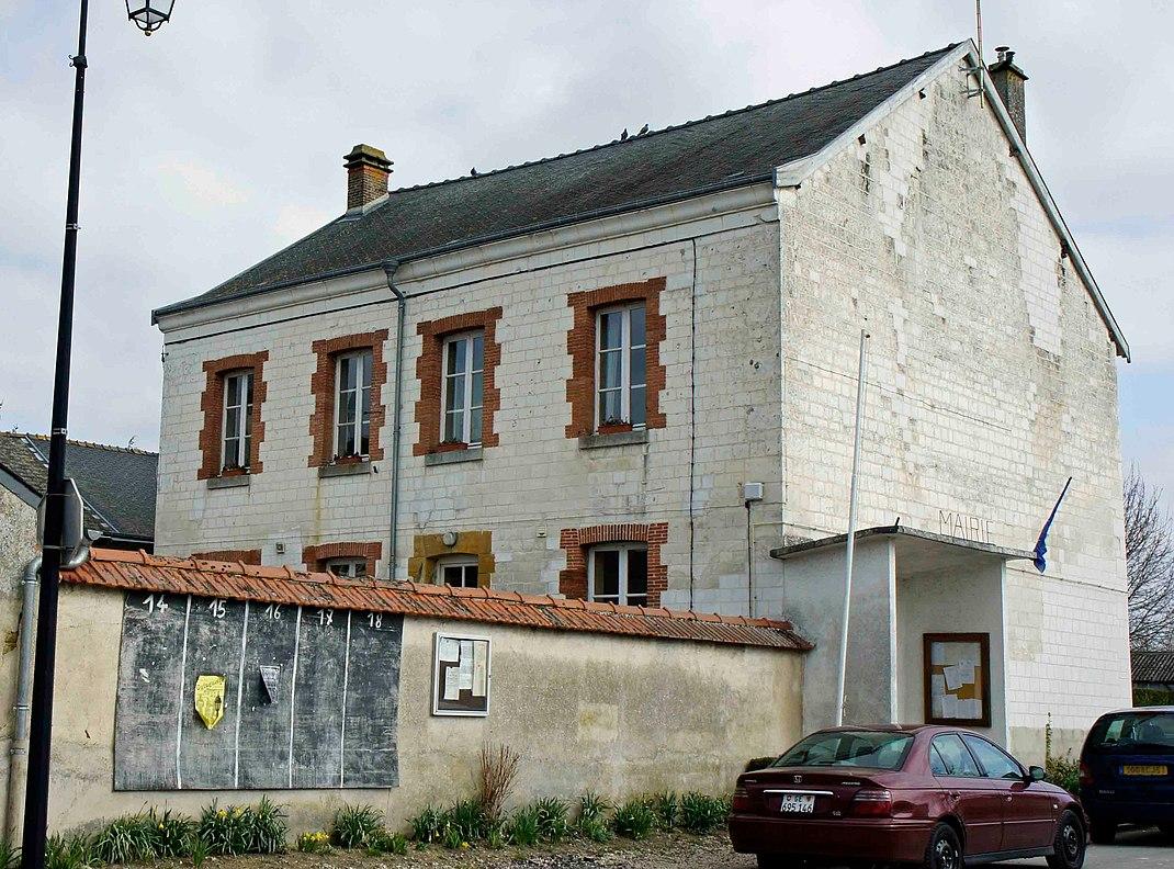 Vue de la Mairie de Roizy.