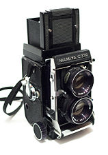 Mamiya C330 TLR camera with 80mm F2.8 interchangable lens.jpg