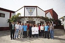 María Dolores Cospedal visita la Cooperativa Vinícola Galán en Membrilla (10067958354).jpg