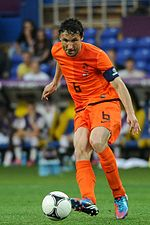 Mark van Bommel 20120611.jpg