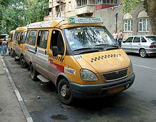 ...сотрудник линейного отдела полиции в состоянии алкогольного опьянения на машине въехал в маршрутное такси, стоящее...