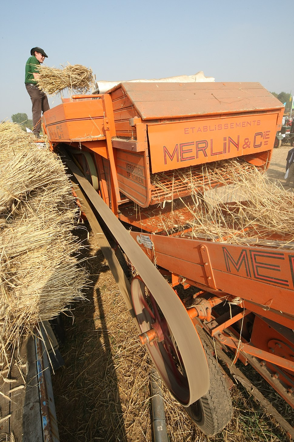 Merlin & Cie. threshing machine 2