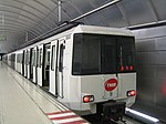 Metro Barcelona train type 3000.jpg