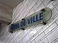 Metro de Paris - Ligne 1 - station Hotel de Ville 02.jpg