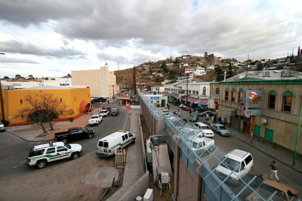 Picture of the border between Arizona, on the left, and Sonora, on the right Mexican-American border at Nogales.jpg