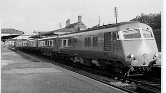 British Rail Classes 251 and 261 - The Midland Pullman at Cheadle Heath (Stockport) before its regular non-stop morning run to London St Pancras on 28 September 1960.