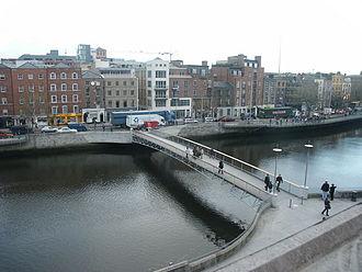 Millennium Bridge (Dublin) - Image: Millennium Bridge Dublin Geograph.ie 446300 cf 8ffad 2