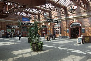 Birmingham Moor Street railway station - The station entrance concourse as redeveloped in 2010