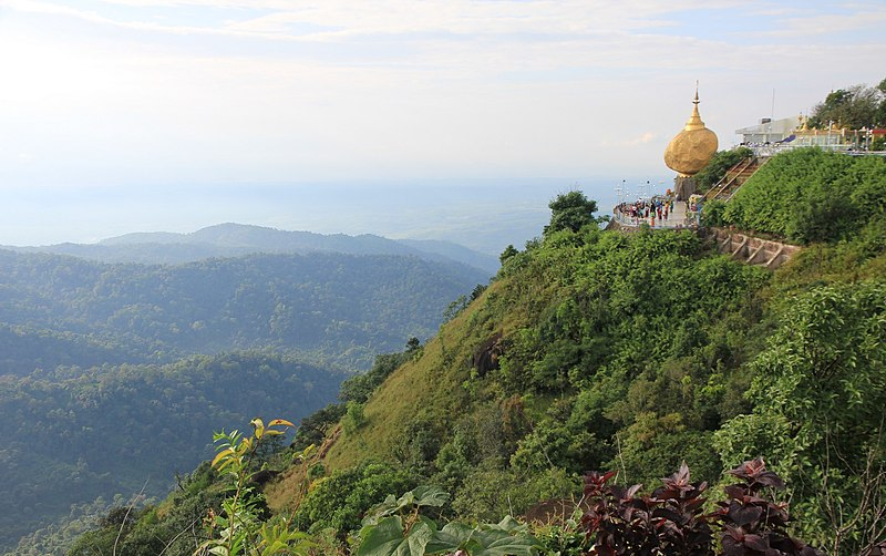 File:Mount Kyaiktiyo (the Golden Rock) 02.jpg