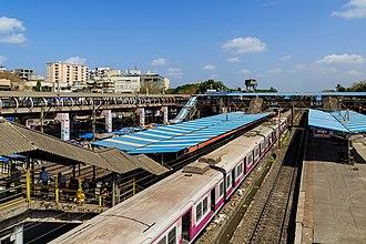 Western line (Mumbai Suburban Railway) - SantaCruz station
