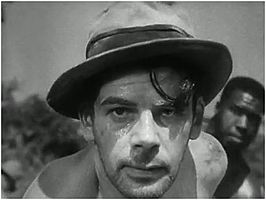 Paul Muni in de trailer van I Am a Fugitive from a Chain Gang