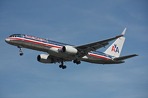 An American Airlines Boeing 757-223 landing at...