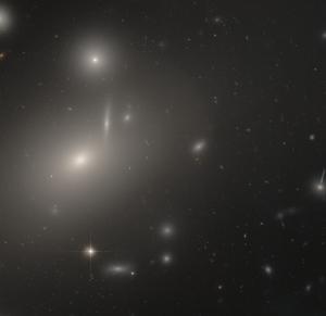 NGC 4889 - Image: NGC 4889 HST