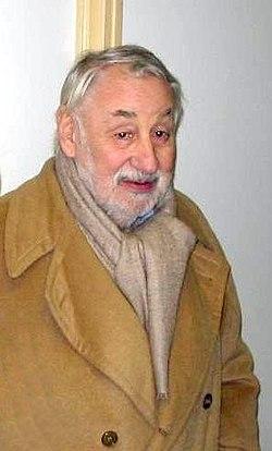 Philippe Noiret lors de l'inauguration de la loge qui lui a été dédiée au théâtre du château d'Eu en Normandie en 2003
