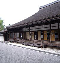 http://upload.wikimedia.org/wikipedia/commons/thumb/1/14/Nanzen-ji_%E2%85%A1.jpg/200px-Nanzen-ji_%E2%85%A1.jpg